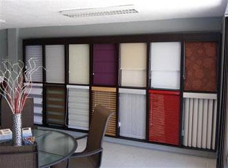 Persianas negras shutters sheer elegance persianas de aluminio son perfectas para controlar - Tipos de persianas enrollables ...